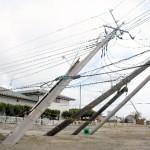 【クレーン車、電柱12本】北海道には鉄柱入りのコンクリートより固い土があるようです